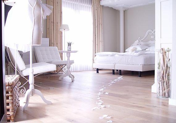 http://huys-van-heusden.hotels-in-netherlands.com/data/Photos/Big4/3792/379285/379285408.JPEG