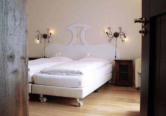 http://huys-van-heusden.hotels-in-netherlands.com/data/Photos/Big4/3792/379285/379285435.JPEG