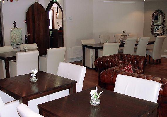 http://huys-van-heusden.hotels-in-netherlands.com/data/Photos/Big4/3792/379285/379285603.JPEG